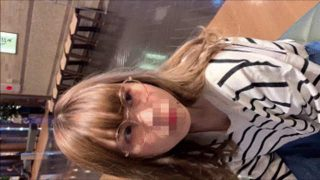 【素人乳首チラ】まさかのノーブラ!?夏休み中の学生さんのエロいおっぱいを至近距離から撮影!!!