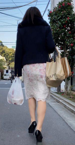 【美人女子大生】お姉さんのどエロいTバックと美脚を盗撮! JD