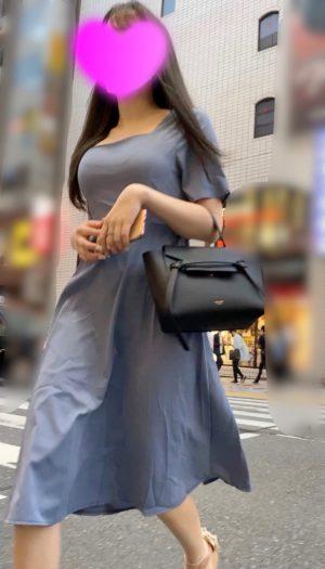 【D乳美女】綺麗な背中の巨乳お姉さんのどエロい美尻を盗撮!Tバック4K