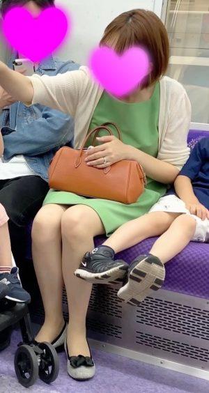 【極上人妻】二児の美人母のどエロいパンツを盗撮!