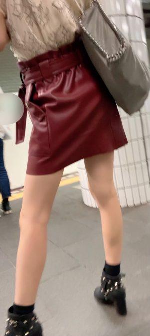 【生理中JD】超美人女子大生のどエロいパンツを盗撮!ナプキン&顔出し!神回