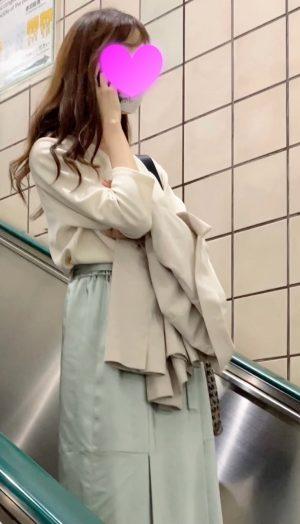 【港区美女】清楚系のメスの純白パンツを盗撮!顔出し!OL 4K