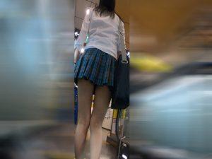 【青チェ】水色の生パン×ぷるるんお尻に食い込み【4K】