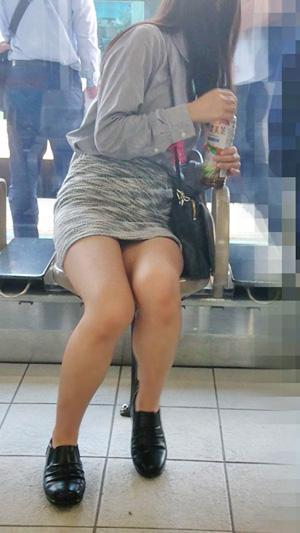 待合パンチラ スカート短すぎたドジッ子モロパン娘