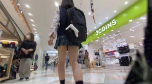 【青チェ】街で見かけた激ミニちゃん二人