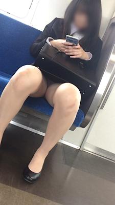 【パンチラHD画質】美人リクルート女子の対面パンチラ
