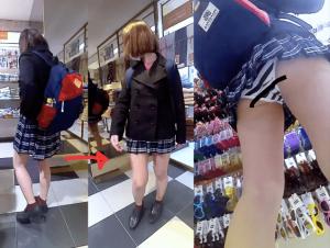 スカートを折ってクソミニになる女子達