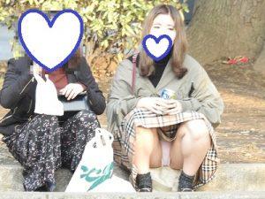 これは驚愕!!(FHD)NO7:おっぴろげの綺麗なお姉さん!!パンティーが見えすぎです!!(笑)