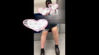 【超カメラ目線】盗撮バレ・ガン見【青チェJK】
