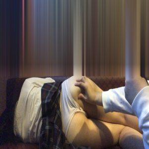 【睡眠●姦】スカートの中に頭を突っ込む【JKとカラオケ】
