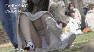 4K→FHD『私服女子の綿P見えまくりピクニック』