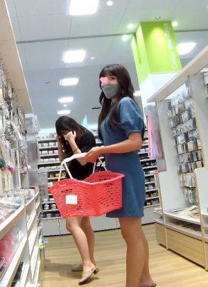 仲良し女子大生のお買い物編 禁断の逆さ撮りシーズン5 vol6